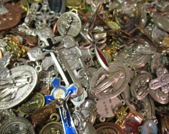 SALE  GREAT OPPORTUNITY 25 Medal Lot to make necklaces, rosary, charm bracelet,repurpose it is a mix lot randomly selected