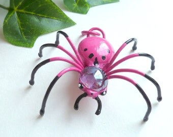 Cute Pink Metal Spider Pendant Wire Art Bug Pet Spider for Bug Lovers Gift for Gardeners Teens Unique Painted Spider Pendant