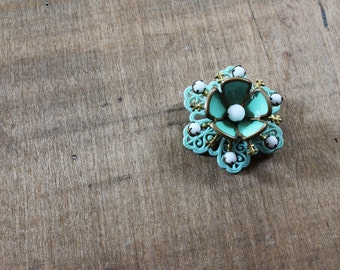 vintage 1940s 1950s brooch - atomic brooch - thermoplastic - aqua - floral motif