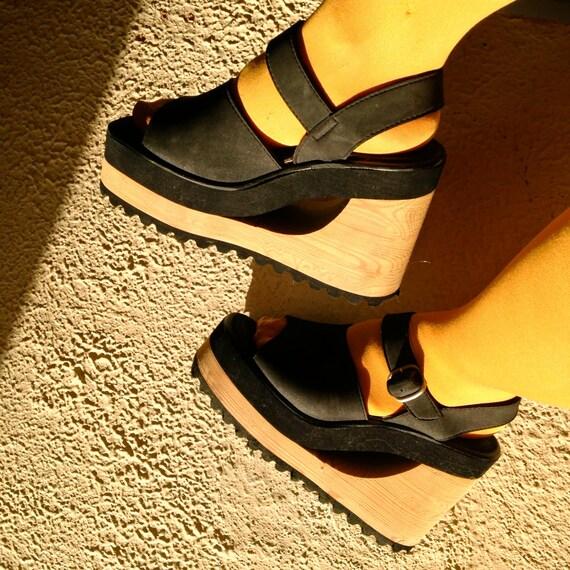 90s Black Wedge Platform Vegan Sandals 7.5