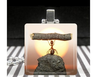 Ant Lifting a Log Necklace Encouragement Jewelry Granduation Gift Pendant Endurance Overcoming Obstacles Achieving Goals Gifts for Athletes