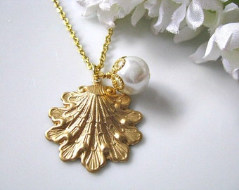 Vintage Brass Sea Shell Pendant And Pearl Necklace, Christmas Gift for Her, Gift Under 25, Clam Oyster Shell Fish Mussel
