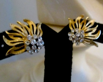 1940s Burnished gold & Crystal Bead Sweep Earrings, Stunning.