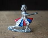 Vintage Sonja Henie Norwegian ice skating brooch ∙ SONJA HENIE