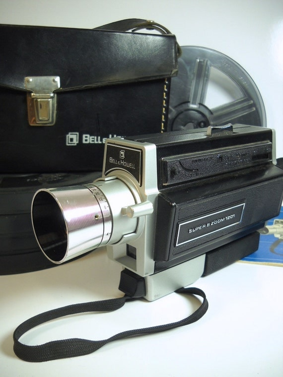 vintage super 8 zoom movie camera bell howell model 1201. Black Bedroom Furniture Sets. Home Design Ideas
