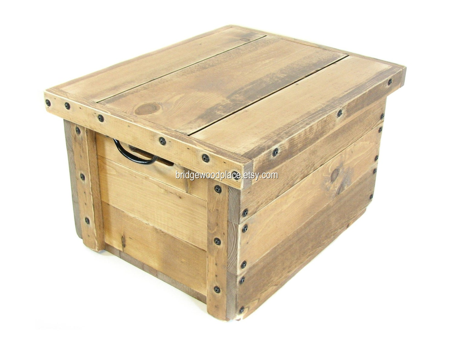 wood crate with lid rustic wooden box by bridgewoodplace on etsy. Black Bedroom Furniture Sets. Home Design Ideas