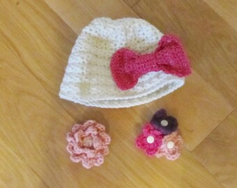 Baby Crocheted Hat with Interchangeable Decorations.......Hairclips too
