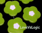 6 Huge Floral Acrylic Beads Charms. 2 Tones. Lime Green. 31mm.