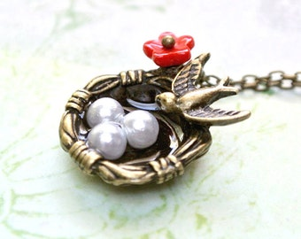 Bird Nest Necklace with Eggs,Mama bird Nest Necklace, Mother's Bird Nest Necklace, Mothers Day Necklace, Mothers Gift,Mothers Necklace