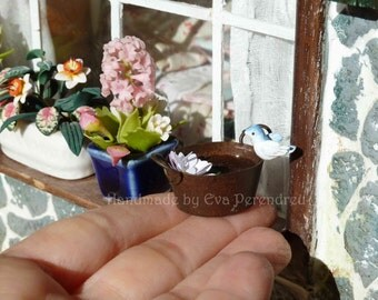Miniature bird bath with water lilly for your dollhouse garden or windoll sill