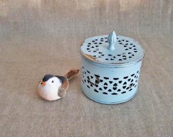 Sweet Little Trinket Box in Robin's Egg Blue / Painted Ring Box for Wedding or BabyKeepsake / Light Blue Trinket Box