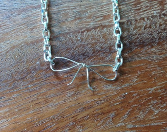 Wire Bow Necklace