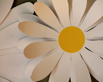 Large Daisies - Paper Wall Decoration