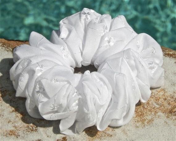 Cotton Eyelet Scrunchie in White