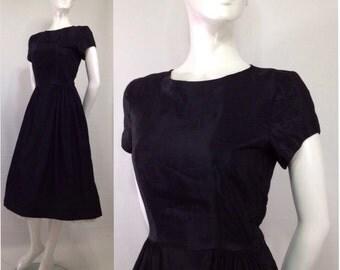 Vintage 1950s taffeta dress New Look Side Zipper Johnnye Junior Sportswear Black