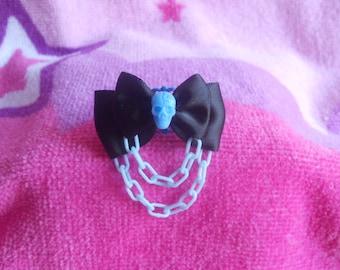 Pastel goth skull ring blue