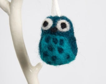 Small Needle Felted Owl Ornament or Hanging Decoration in Teal