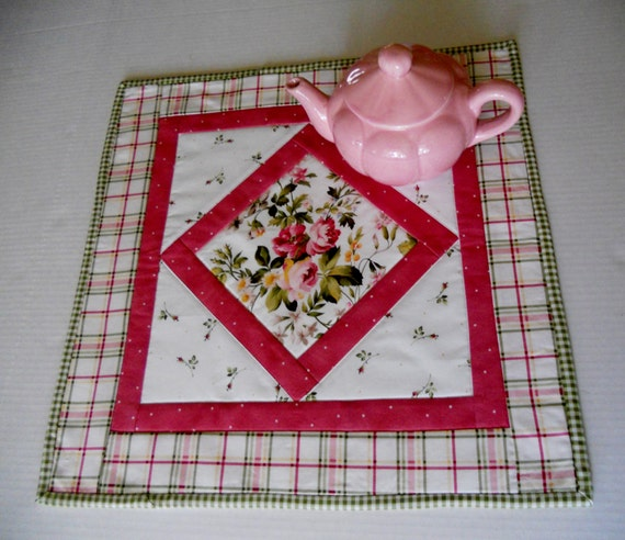 Cottage Chic Roses Quilted Table Topper Candle Mat Table Quilt