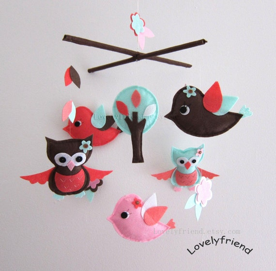 Flying in The Forest Mobile - Baby Mobile - Wonderful Nursery Crib mobile - Owls and birs Matching Your Bedding (Choose Your Felt Color)