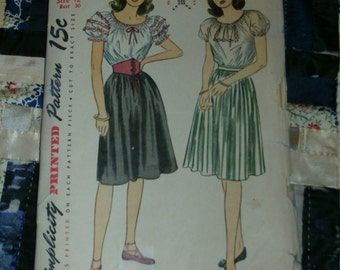 "Vintage 1945 Simplicity Pattern 1559, Misses Blouse, Skirt and Belt, Size 12, Bust 30""  Waist 24 1/2"", Hip 33"""