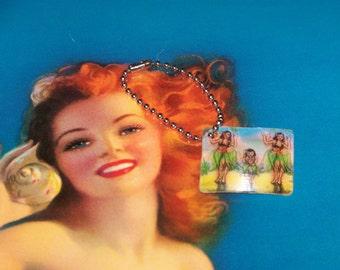 Retro Hula Girl Flicker Card Keychain