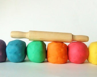 Waldorf Wood Toy- Play Clay-Playdough -Sensory Toy- Toddler Toy- Wooden Toy- ROLL the DOUGH- 7 Piece Set- Rainbow Learning Toy- Kids Gift