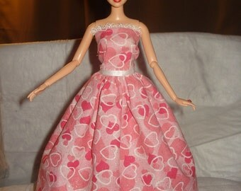 Formal dress with pink hearts & sparkle for Fashion Dolls - ed556