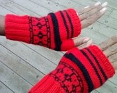 Fingerless gloves,red with black mozaic pattern and stripes, women size medium/large