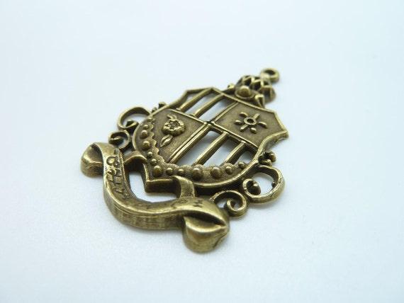 10pcs 32x44mm Antique Bronze Huge Filigree Crown Shield Badge Charm Pendant c521