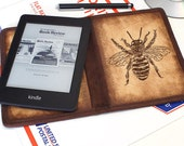 Kindle Leather Cover - Fat Bee - Customizable - Free Personalization