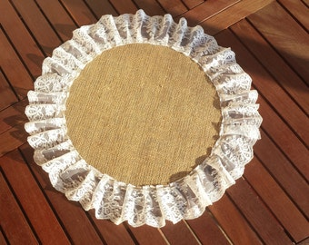 Burlap and lace centerpiece, round centerpiece.