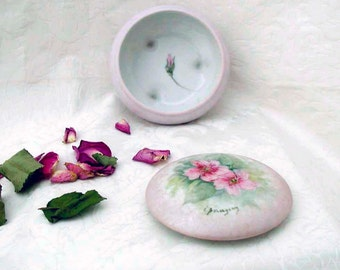 Collectibles Hand Painted and Signed Footed Porcelain Dresser/Vanity Jar