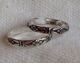 Flower Pattern STERLING SILVER Ring. Eco Friendly. Thin Ring Band. Classic.