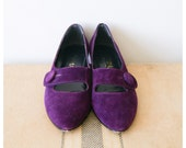 Purple Flats. Women's Vintage Shoes. 80s Suede Flats. Pointed Kitten Heels. Size 7.