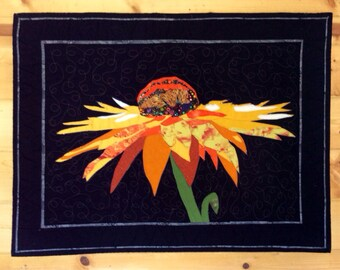 Sunflower quilt wall hanging, wall art, quilted decoration.