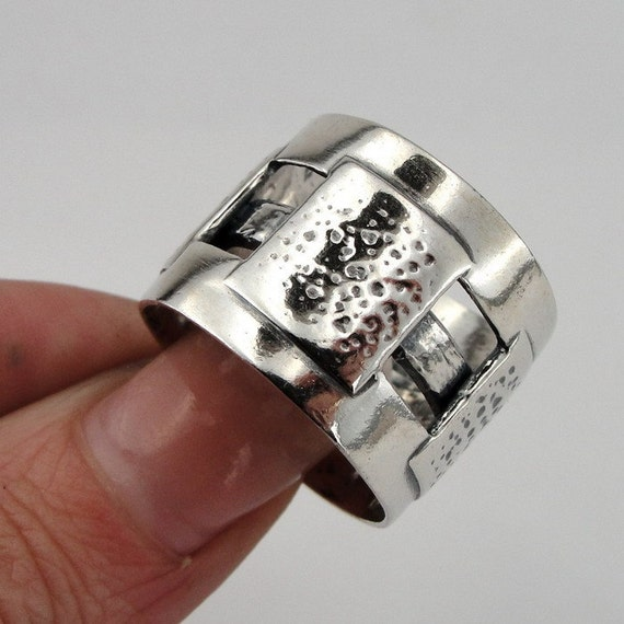 Handcrafted Modern Art Sterling Silver Ring size 8.5 (H 100)