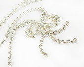 Vintage Rhinestone Necklace with Rhinestone Bow Pendant, Bridal / Vintage Wedding - Collier Perle.