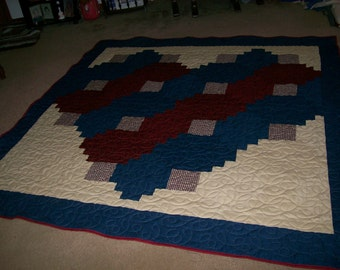 Homespun Heart Quilt in Americana Colors of Burgundy, Navy and off White