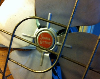 Vintage Small Super Lectric Table Fan