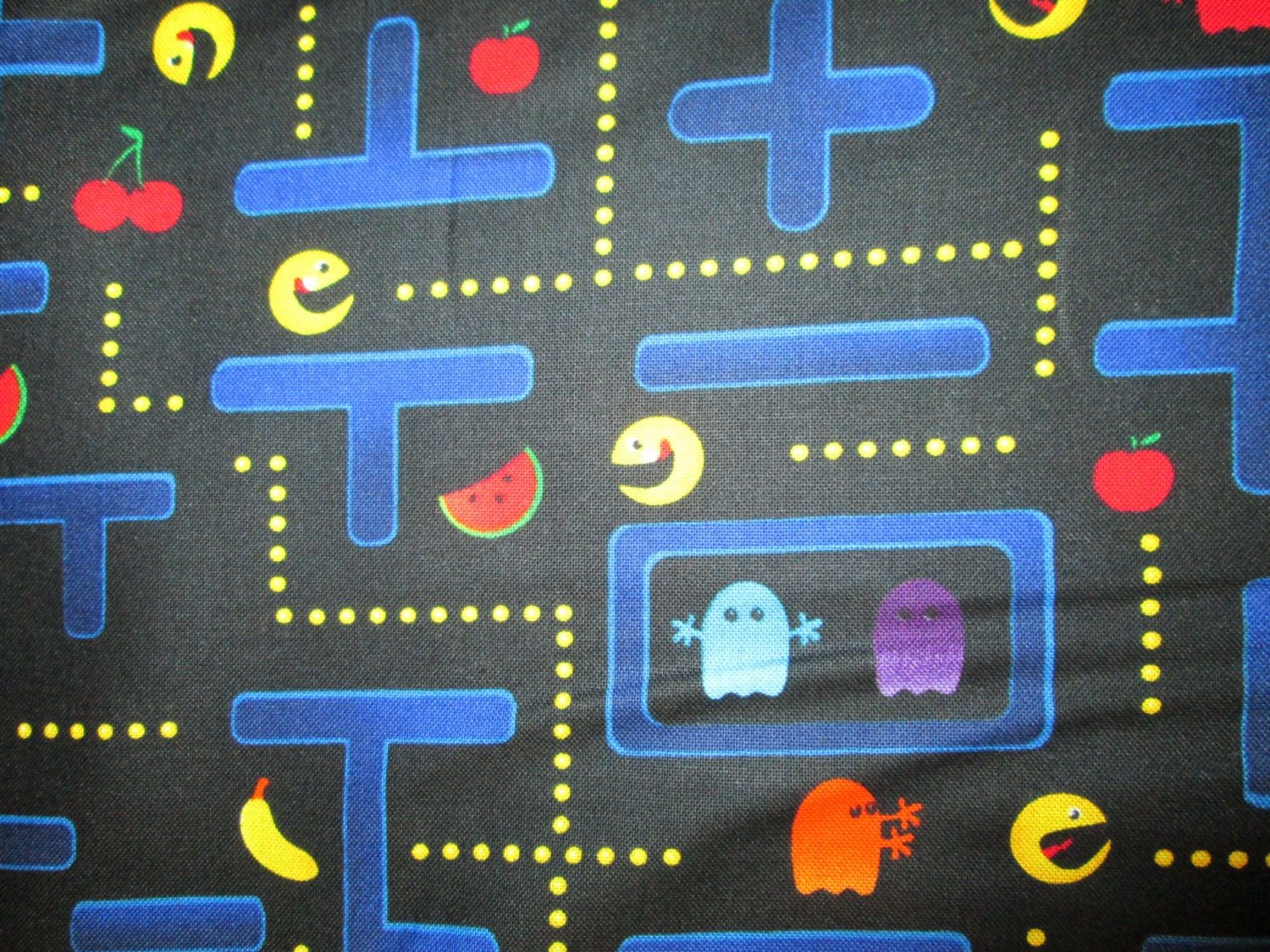 Retro pac man video ninetendo game cotton fabric fat for Space made of fabric