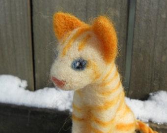Needle Felt Tabby Cat / Orange Marmalade Sitting Kitten / Yellow Tabby Wool Cat Figurine / Waldorf Felt Animal Soft Toy
