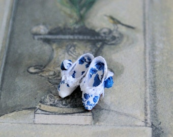 Miniature shoes - open back  - Mules Pompadour - blue toile