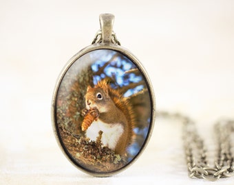 Red Squirrel Necklace - Woodland Squirrel Jewelry, Woodland Animal Necklace, Nature Jewelry Pendant, Woodland Jewelry, Woodland Necklace