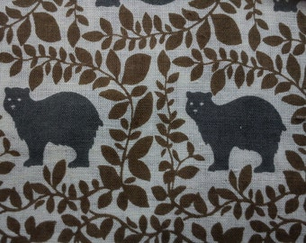 Gray bears among leaves, ivory, thin, fat quarter, pure cotton fabric