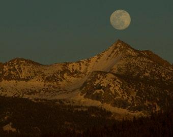 Yosemite Mooonrise, Landscape Photography, Glacier Point, Gray Peak, Yosemite National Park, Moon  Photograph, Mountain, Snow, Art Print