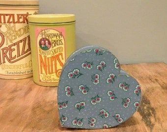 Vintage Heart Wooden Nesting Boxes