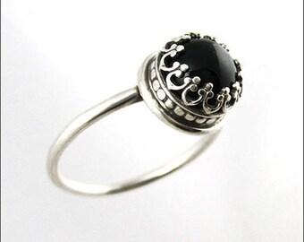 Antique Elegant Onyx Ring