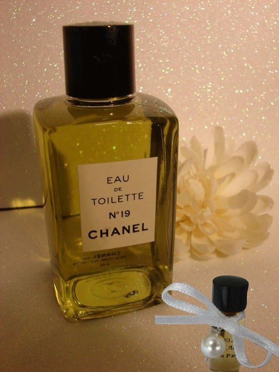 Perfume Decant CHANEL No 19 EDC Sample Glass Perfume Bottle Leather Ylang-Ylang, Hyacinth, Musk, Narcissus, Cedarwood Choose Decant Size