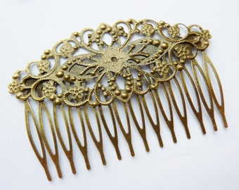 1 haircomb, 8,1 x 5,5cm, bronze