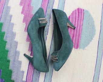 8 1/2 Green Suede Pumps / Vintage High Heels / Women's Shoes